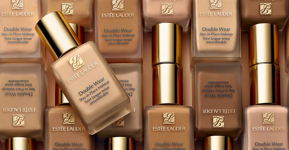 Wear confidence with Double Wear Foundation: Evens skin tone, covers imperfections, controls oils and stays colour true with a natural matt finish.